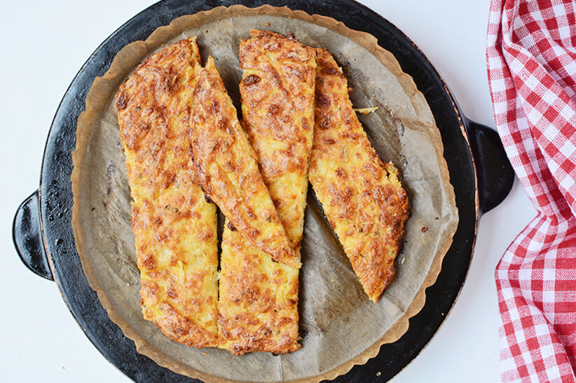 sliced keto cheese bread